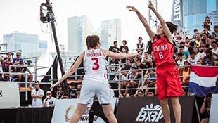 高清:3X3U18世界杯收官日 中国女将三分跳投