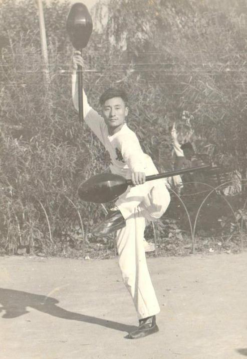 李小龙偶像仙逝 神拳大龙18岁打败美拳击冠军