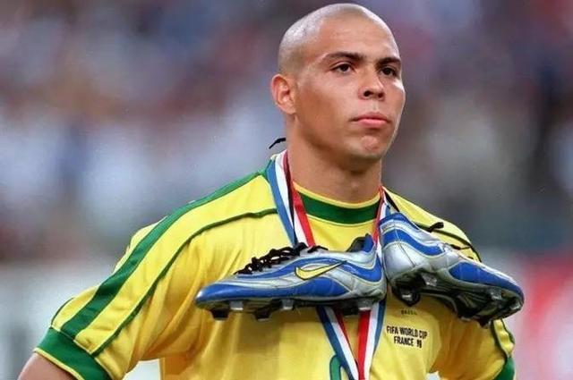 98世界杯决赛前为何昏厥 罗纳尔多终披露真相