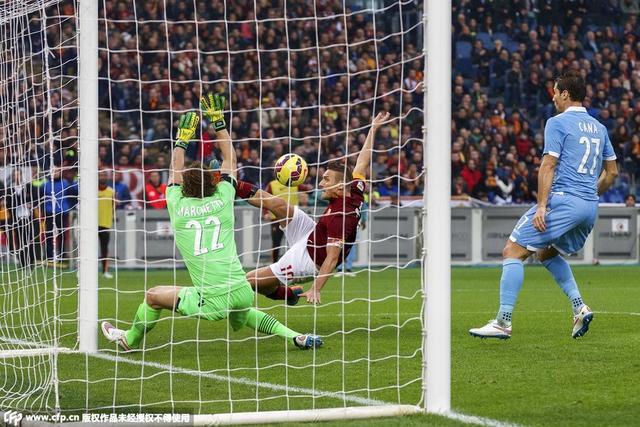 意甲-德比战罗马2-2平拉齐奥 托蒂2球创纪录