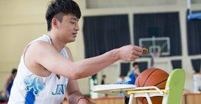 江苏众将扮演篮球妈妈