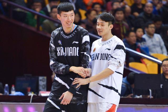 周琦传承姚明填补空白 他是中国篮球未来领路人