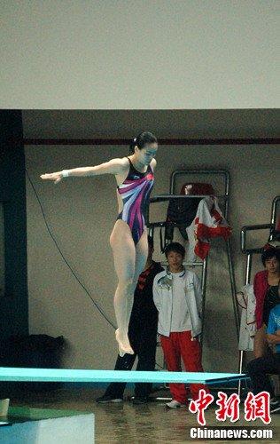 跳水全锦赛在渝开战 吴敏霞夺一米板冠军(图)
