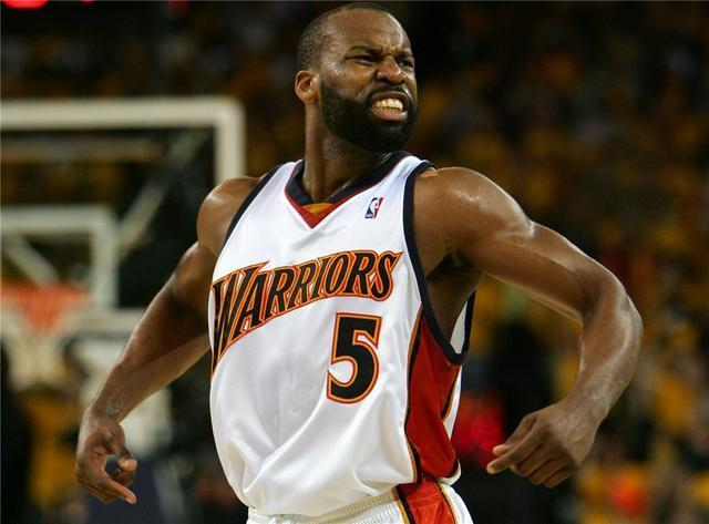 前勇士黑八功臣力争回NBA 大胡子离开已有4年