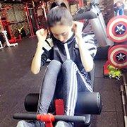 王丽坤秀健身照