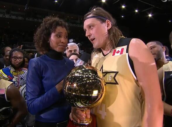 巴特勒获名人赛MVP 加拿大歌手压麦蒂吴亦凡