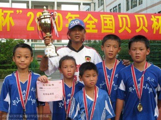 振兴路小学张义:校园足球让学生放飞梦想