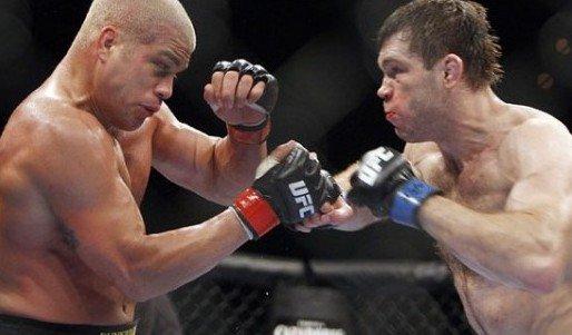 奥尔蒂兹备战UFC最后一战 坏小子场下爱养生