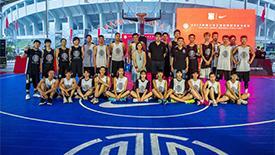 高清:3X3篮球联赛华东大区赛 球员激烈对抗