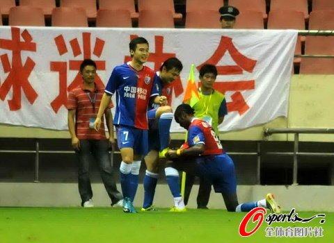 上海1-0小胜江苏 姜坤制胜球助球队紧追鲁能