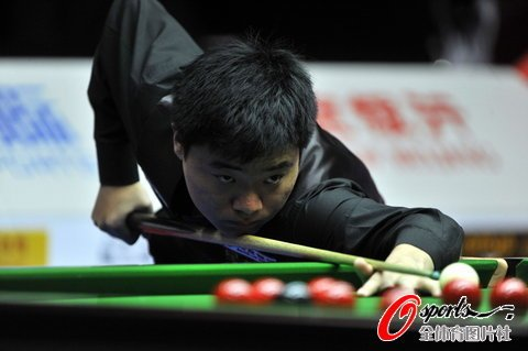 中国赛丁俊晖3-6塞尔比 四小时苦战无缘决赛