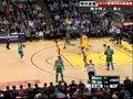 视频:凯尔特人vs勇士 加内特靠打侧身跳投