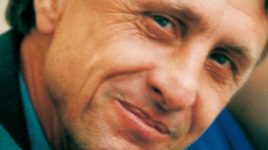 巴萨主帅之克鲁伊夫:推行攻势足球 挖掘人才