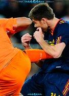 德容世界杯决赛狠踹阿隆索