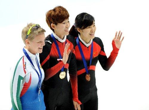 短道世界杯女子500米 范可新夺冠刘秋宏季军