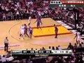 视频:尼克斯vs热火 韦德凌波微步左手打2+1
