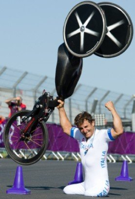 http://img1.gtimg.com/sports/pics/hv1/154/246/1134/73801234.jpg