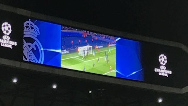 真坏!皇马赛前播巴萨4球惨败集锦 球迷哄笑