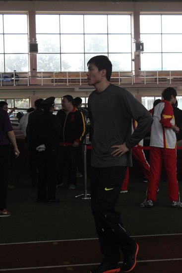 刘翔缺席上海室内赛 史冬鹏不比跨栏改跑60米