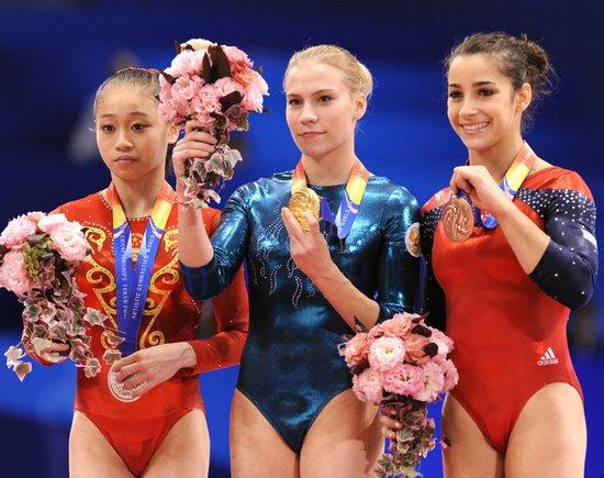 眭禄到手的金牌被抢 中国女队遭打压环境恶劣