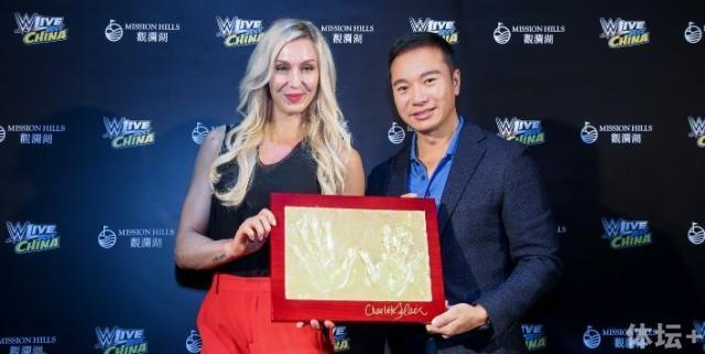 WWE中国选手将战9月中国赛 摔角女王先会粉丝