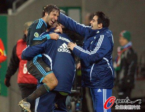 德国杯-沙尔克1-0晋级 劳尔精妙助攻妖刀绝杀