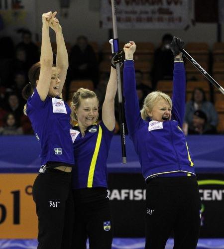 瑞典夺冠历程:曾9连胜仅输2场 关键战显威