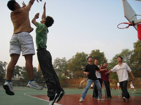 体育生存不仅依靠竞技 雕琢人格造就坚韧品质