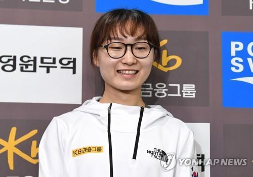 韩短道名将崔敏静:仍有不足 将全力备战奥运