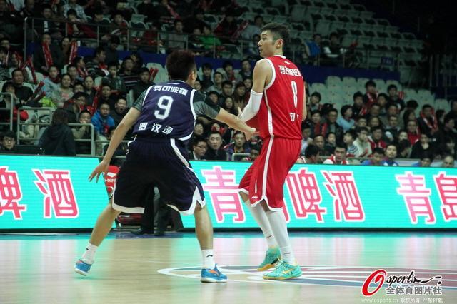 刘炜生涯夜29分 上海末节遭东莞逆转吞三连败