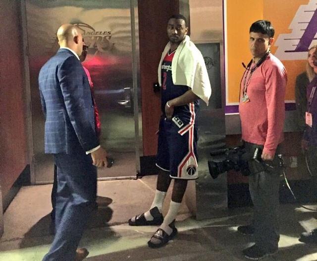 沃尔钦佩科比工作态度 索球鞋未果被队友捡漏