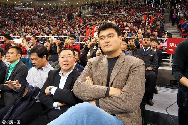 37岁姚明将任中国篮协主席? 年轻掌门非个例