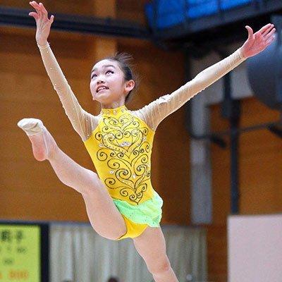 大奶子萝莉人体艺术_日萝莉齐聚艺术体操赛 一字马秀柔美身段