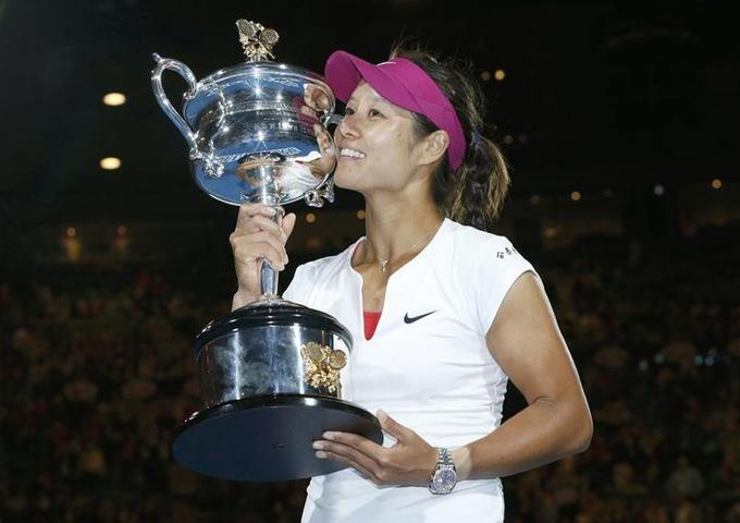 全场集锦:李娜完胜齐布娃澳网夺冠截图