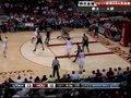 视频:爵士vs火箭 洛瑞持球强打篮下隔人抛射