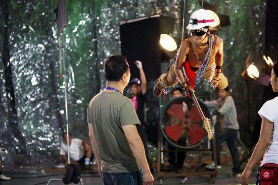 谭维维出演《东成西就2011》 饰公主感悟人生