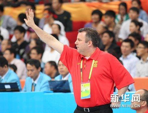 全部12人都有得分 中国男篮首战轻取对手(组图)