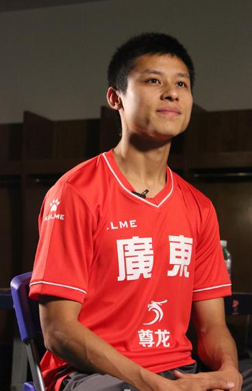 尊龙娱乐赞助广州队 陈志钊无惧香港归化球员
