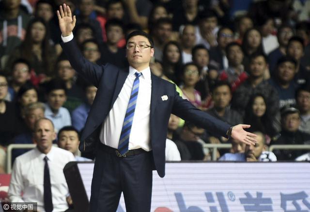 上海主帅因指责裁判遭停赛2场 俱乐部被罚2万