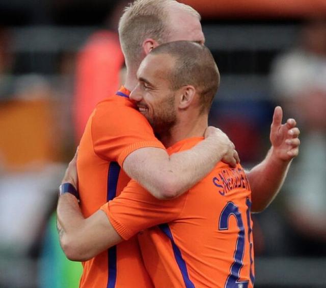 热鸟茺##S_[转载]热身赛-荷兰5-0胜科特迪瓦 罗本建功热鸟登场
