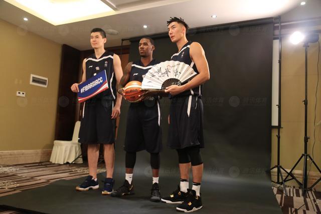 一触即发!篮球亚冠10队集结 新疆队霸气亮相