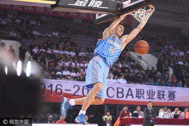 新疆第一颜值因亚冠被熟知 今夏已成男篮红人