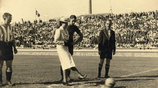 巴塞罗那足球俱乐部1940-1949年间的相关历史