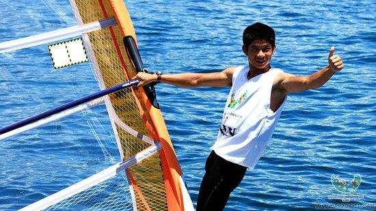 大运会帆板团体T-293级 中国队包揽金银牌