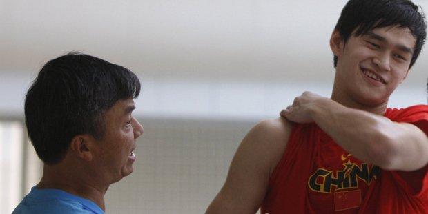 孙杨过去十年与朱志根的合作中,两人频繁闹出矛盾。