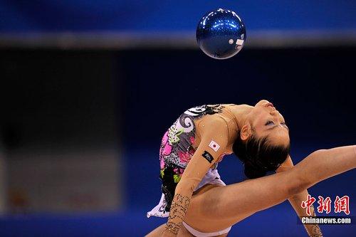 亚运会艺术体操:韩国选手球操炫技