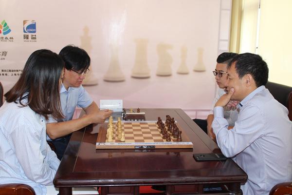国象大师混双赛收官 谢军组合不败战绩夺冠