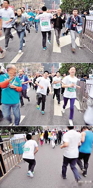 重庆国际马拉松赛事里,有一个20多岁的小伙子,仅凭一条腿(金左高清图片