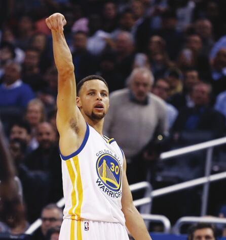 话题:如果NBA延长三分线 勇士必夺冠