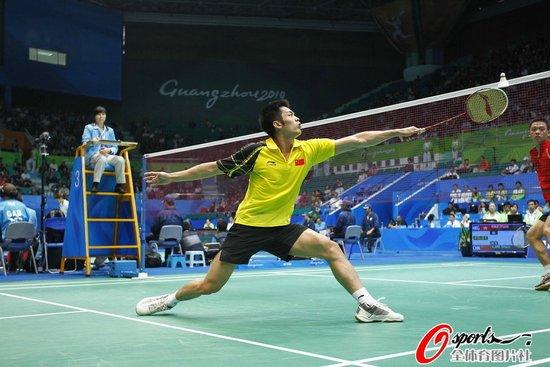 林丹2-0击败中国香港老将 单局净胜对手15分